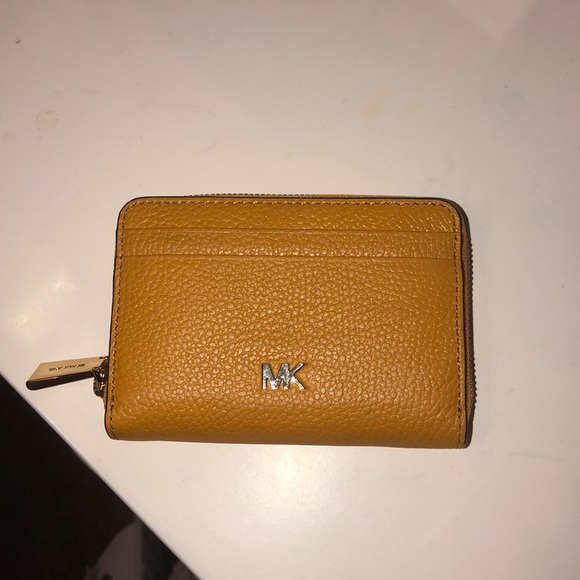 ef66a28bbbbf Michael Kors Bags | Micheal Kors Coin Card Case | Poshmark
